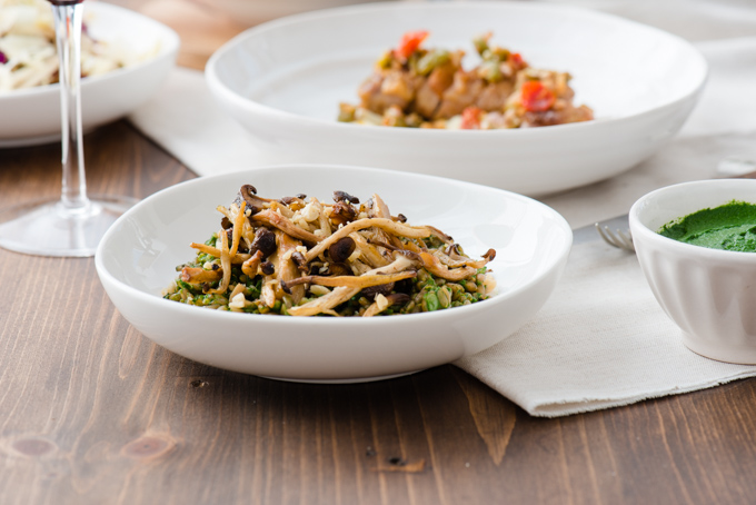 Farro with Spinach & Roasted Mushrooms - Great heart grain salad, love the roasted mushrooms and hint of lemon!